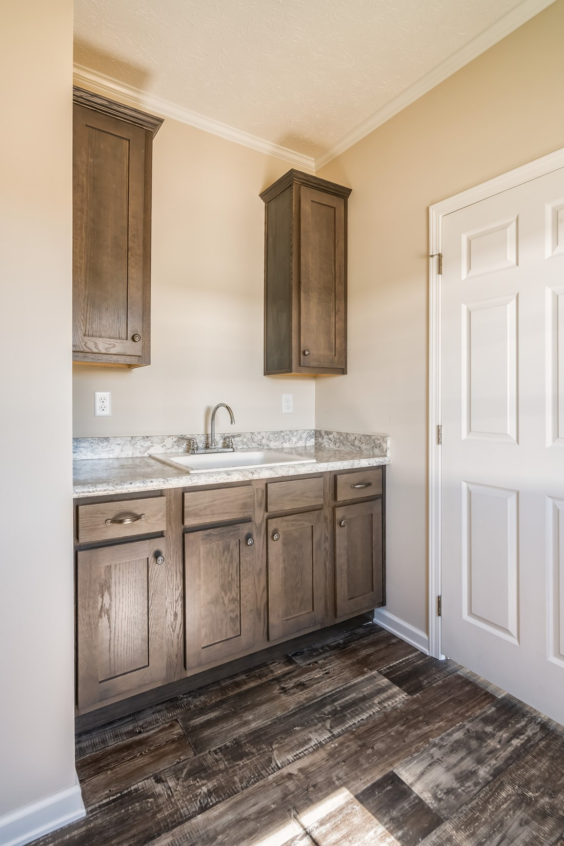 The 3554 JAMESTOWN Utility Room. This Manufactured Mobile Home features 4 bedrooms and 2 baths.