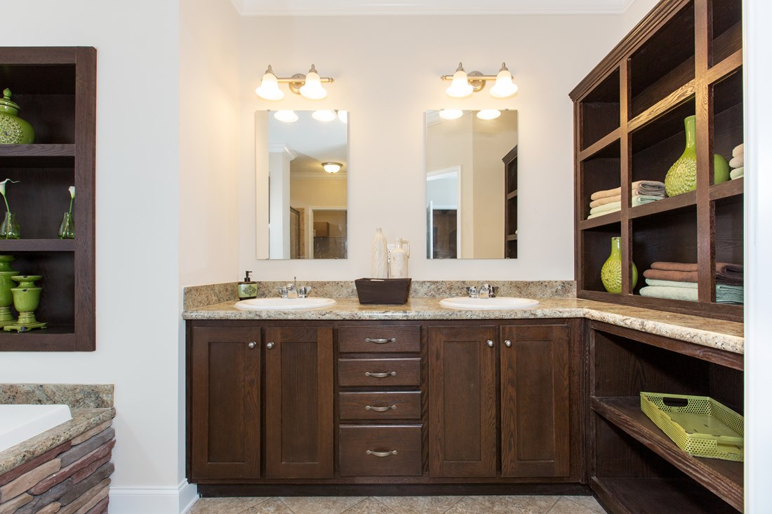 The J533 MOD Master Bathroom. This Manufactured Mobile Home features 3 bedrooms and 2 baths.