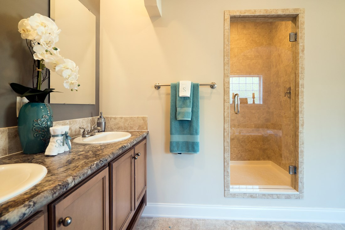The 3545 JAMESTOWN Guest Bathroom. This Modular Home features 3 bedrooms and 2 baths.